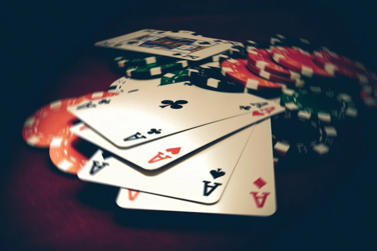 Poker games: which of them are the most profitable for the player?